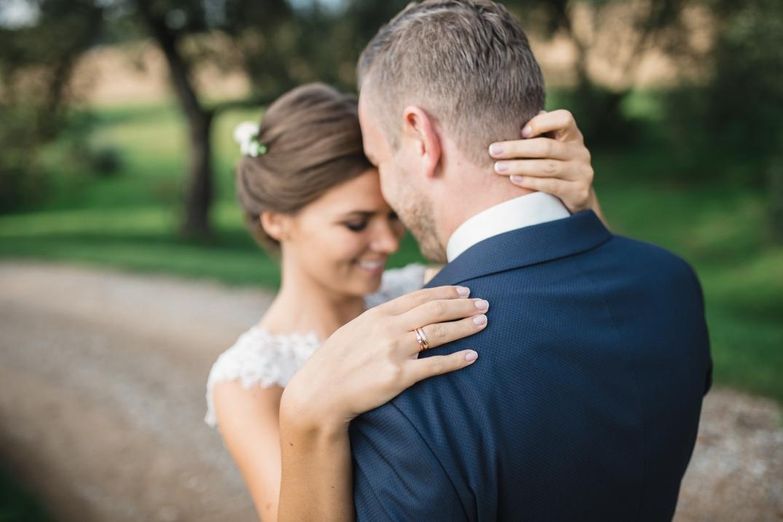 em-wedding-web-250